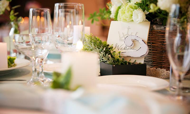 写真:テーブル